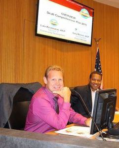 Councilmen Gary Moore and Derrick Reed trade laughs before the workshop.