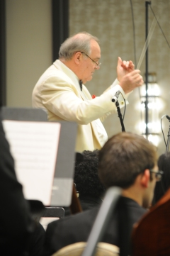 Conductor Andrzej Grabiec conducts Virtuosi of Houston with University of Houston musicians